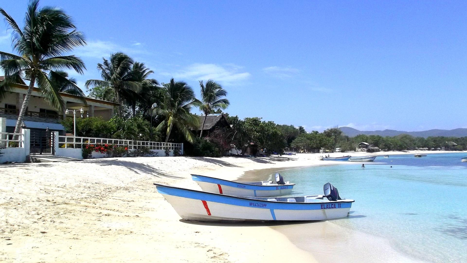 The beautiful and calm fishing village of Punta Rucia at the North Coast