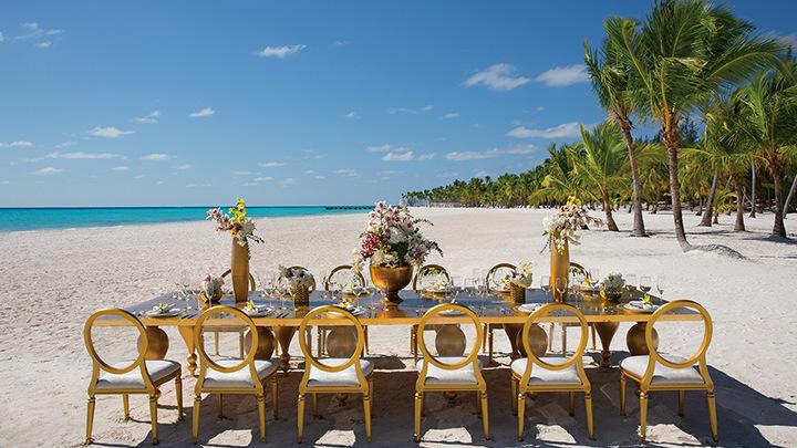 Wedding dinner at the beach