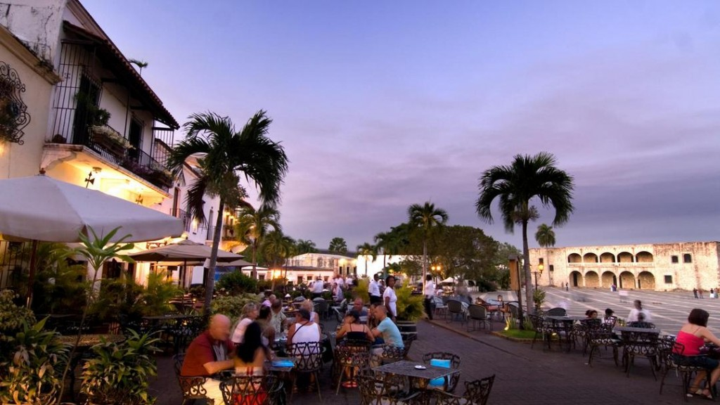 Restaurantes en la Plaza de España, Santo Domingo.
